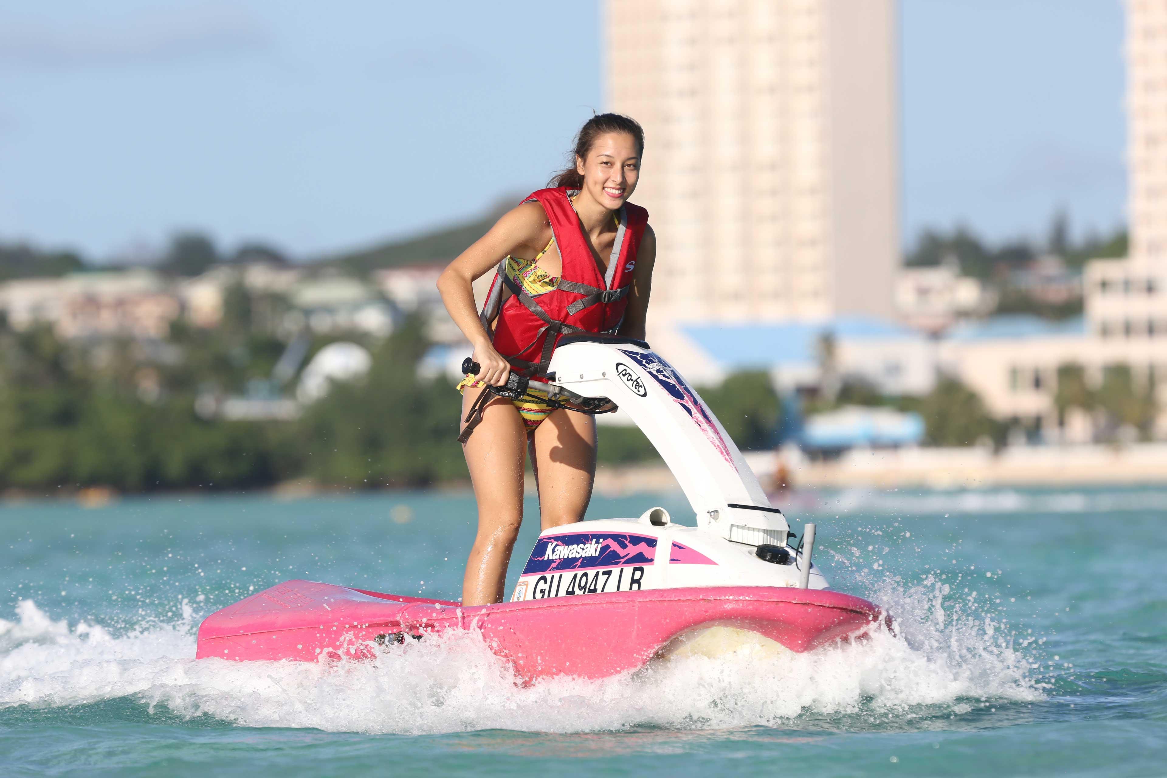 免許不要で挑戦できる水上バイク「ジェットスキー」、一人乗りの保証は嬉しいお約束です