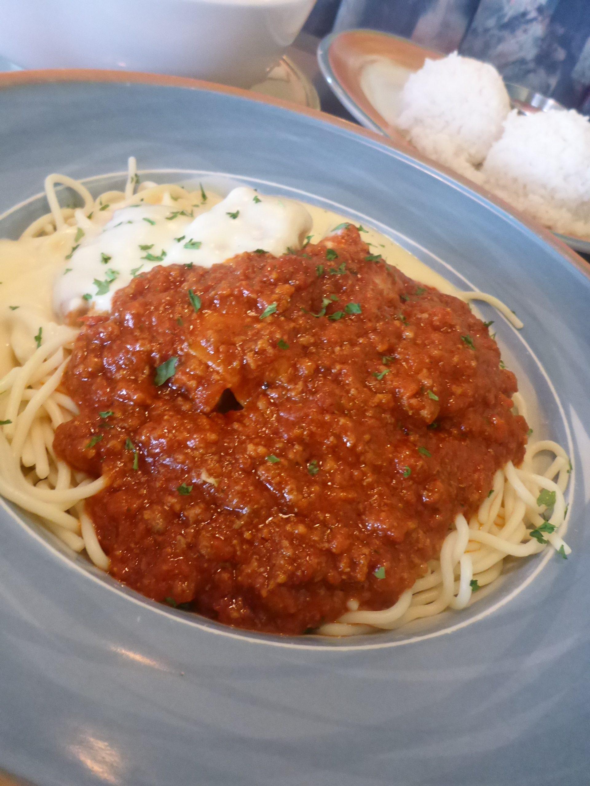 スパゲッティやラーメンなどのメニューもあるので、お子様も大満足。