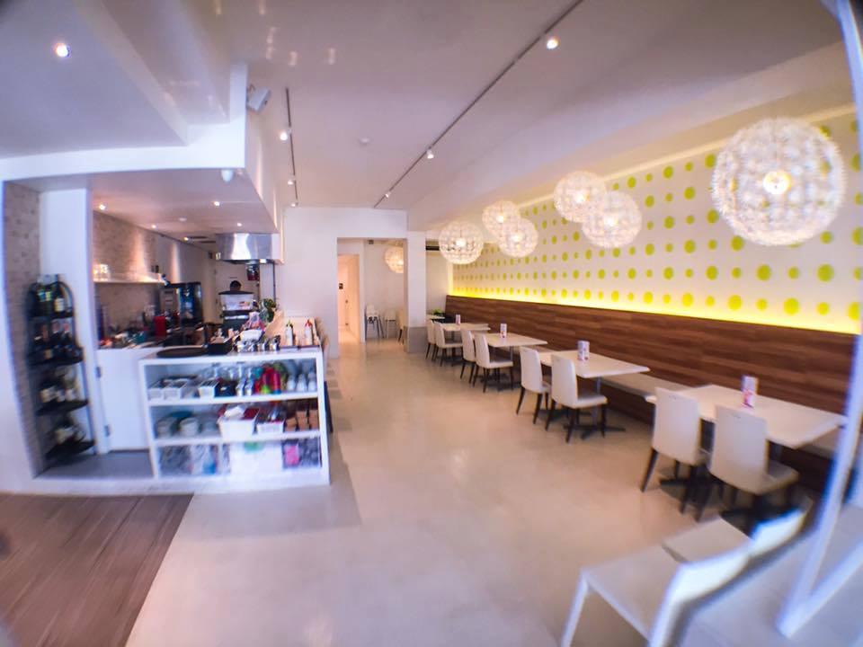 こんな素敵なカフェ風のお店でグアム滞在最後の夜はたこ焼きパーティで盛り上がりましょう!
