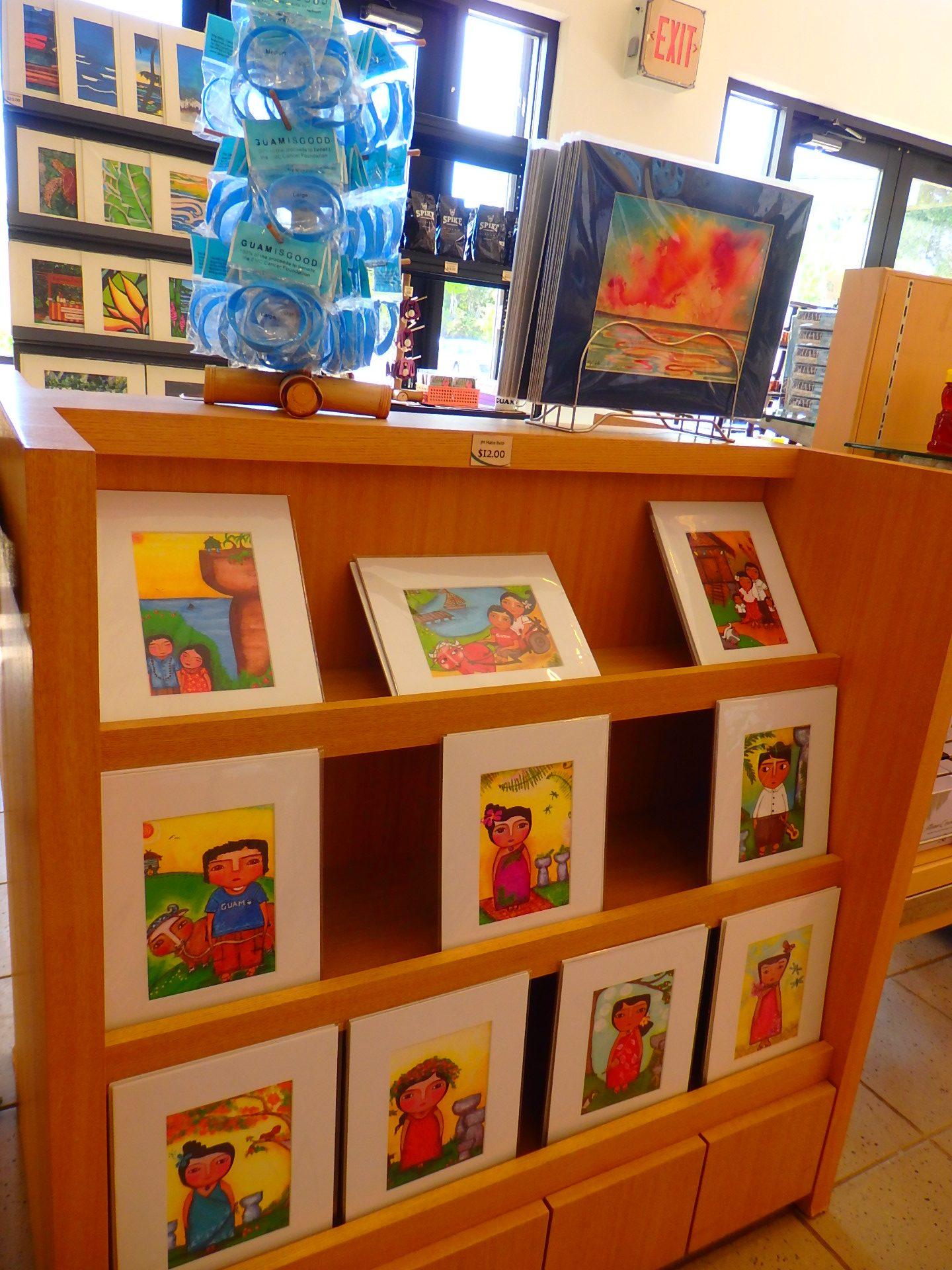 素朴なタッチでのどかなグアムを描いた絵画、オリジナルの販売もしています